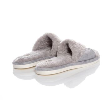 Slippers-plush-gris--1-